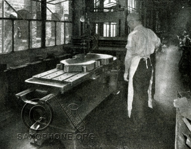 H.N. White King factory-1934-Showing the operation on a large planer