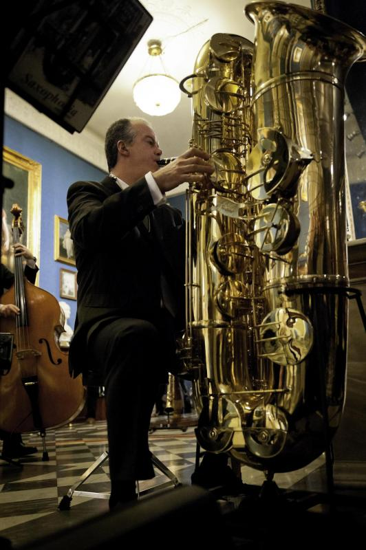Attilio Berni plays the J'ELLE STAINER Double Bb SUB-CONTRABASS SAXOPHONE on www.saxophone.org
